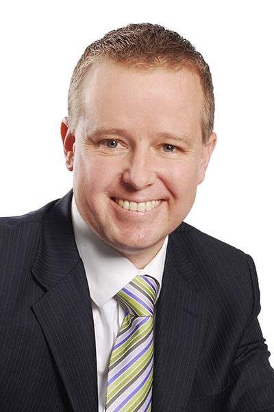 Steven Yeates